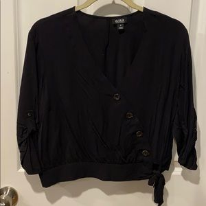 Cropped button V neck top